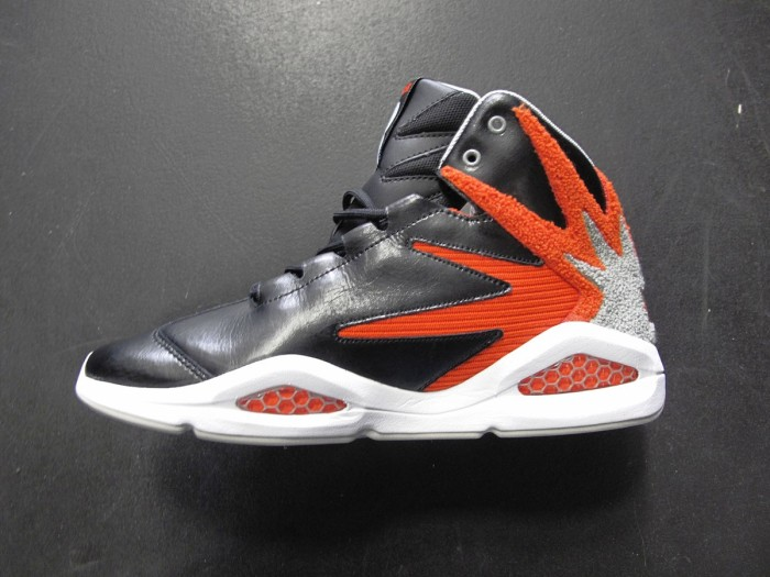 Reebok-blast-black-orange-blood-pumpmylife