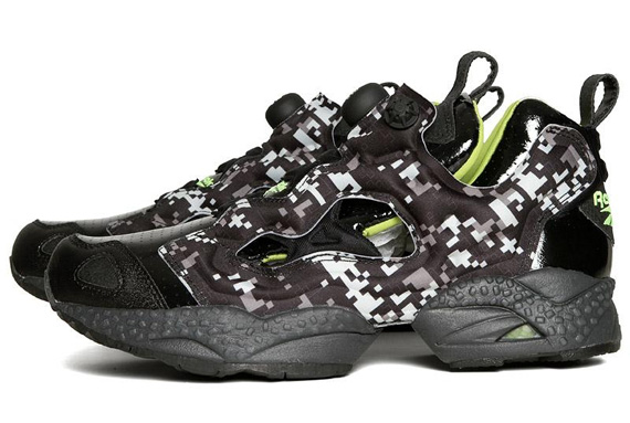 reebok-pump-fury-black-charged-green-digi-camo-pumpmylife