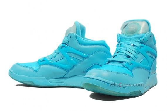 reebok-pump-omni-lite-neon-blue-pumpmylife-0