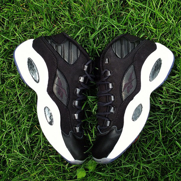reebok-question-black-canvas-sample-Pumpmylife