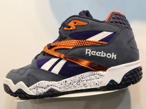 reebok-scrimmage-mid-navy-gold-white-pumpmylife-01
