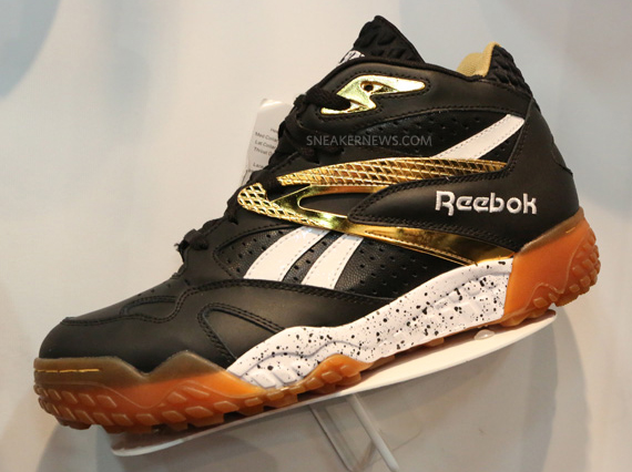 reebok-scrimmage-mid-navy-gold-white-pumpmylife-013