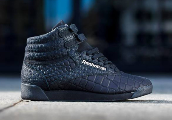 reebok-high-exotics-black-metallic-silver-01-570x400